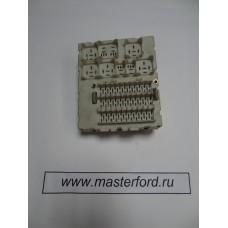 Блок предохранителей ( Форд Фокус 1 ) 1302587