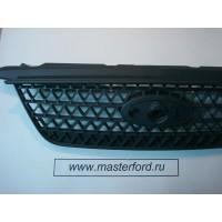 Передняя решетка радиатора (под эмблему) (дорестайл) ( Форд Фокус 2 ) 1421597