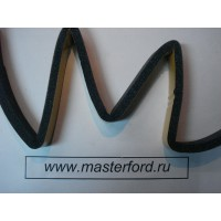 Уплотнение м/у лобовым стеклом и торпедой (Ф/Фокус-2)  1340035